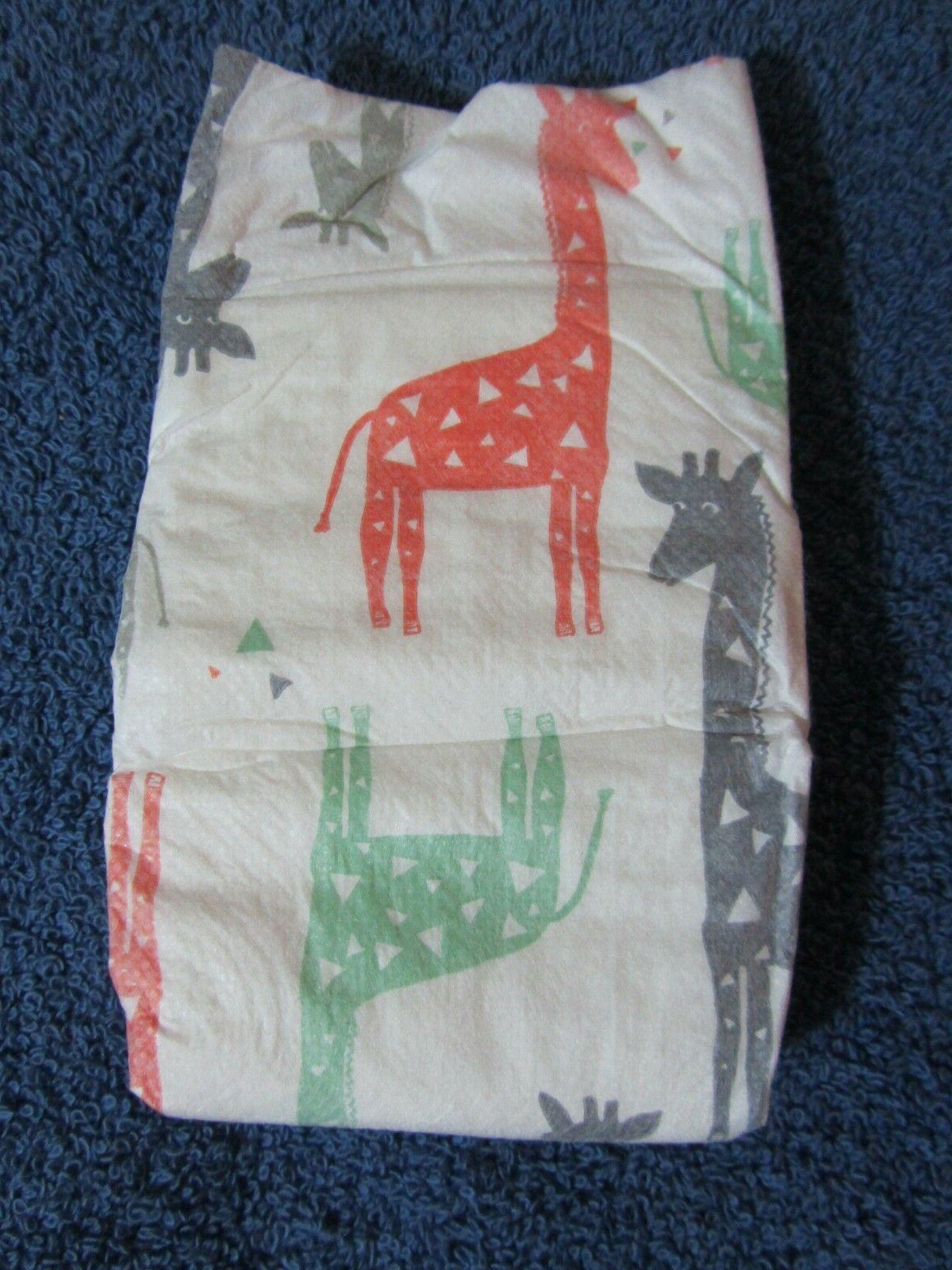 4 HONEST Diapers Giraffe Travel Boy